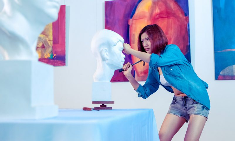 Long-legged-artist-Chinese-Sculpture-Craft-Art-Museum-Gallery-Working-Dedicated-Deadlock-Focused-Concentrated-Woman-Female-Reliable-Dependable