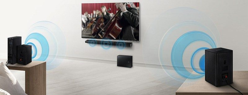 Samsung Soundbar HW-M450 Unboxing SWA-8500SEN Wireless Rear Lautsprecher Kit Room Setup Example No Cables_edited
