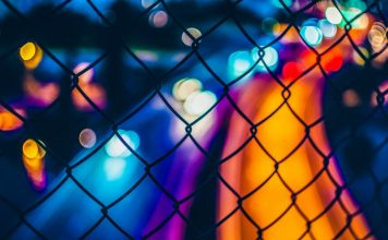 oscar-soderlund-unsplash-chain-colors-vivid-night-photography-blockchain-benefits-technology-distributed-ledger-cybercrime-prevention-tech