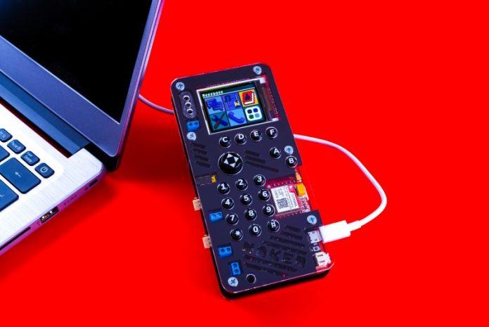 MAKERphone CircuitMess DIY STEM Toys Gadgets Phone Python Startup Croatia