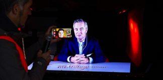 Hannes-Ametsreiter-führt-das-erste-5G-Hologramm-in-Deutschland_v5_edited