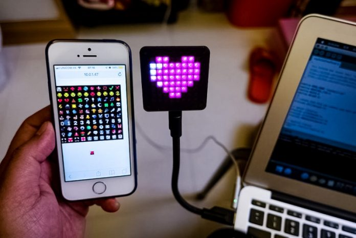 DYI USB Emoji Digital Signage Gadget Cute Pixel Art Instructables Tutorial With Video Smartphone Controlled Arduino LED