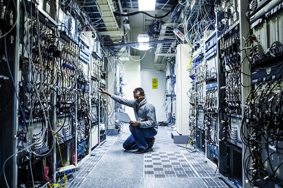 Ericsson NFVI Article Network Operations Engineer Working On Server Infrastructure