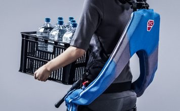 INNOPHYS Develops Muscle Suit for Physical Labor Japanese Woman Carrying Load Crop