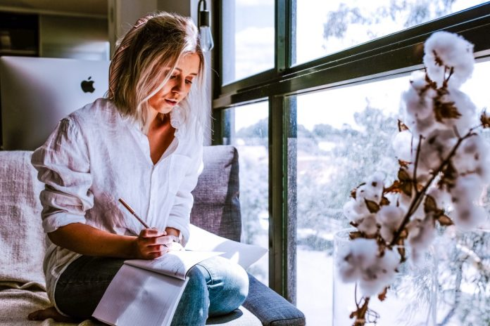 Tips For Solopreneurs Woman Working From Home Strategy Planning Business Solopreneur