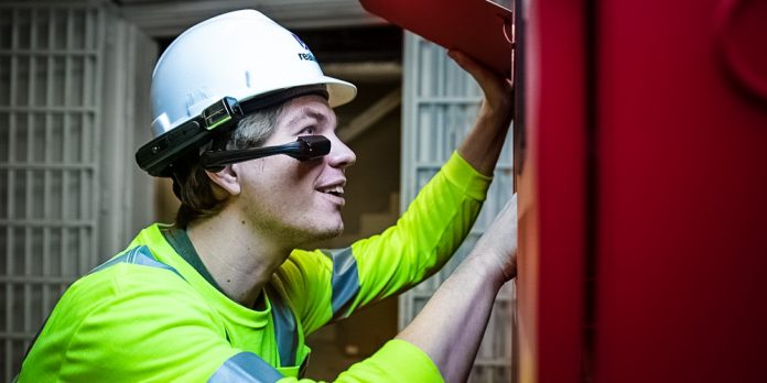 RealWear Headset Helps Firstline Workers Collaborate Better Microsoft Teams Cisco Webex Remote Working