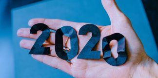 10 Popular Articles From TechAcute in 2020 Hand Happy New Year 2021